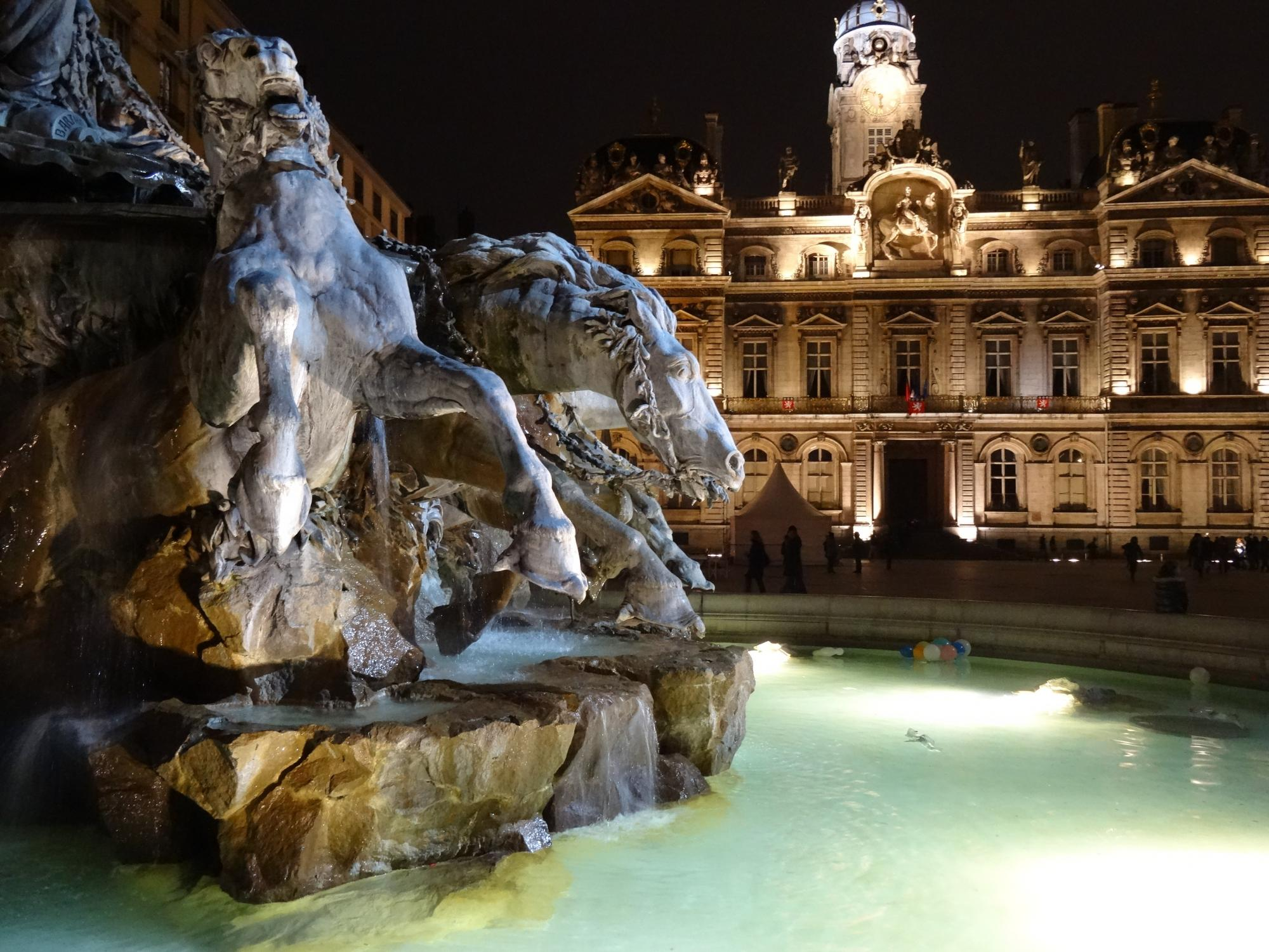 Discover Lyon - Vacation package : France Coast to Coast  - Land of France, travel agency in France