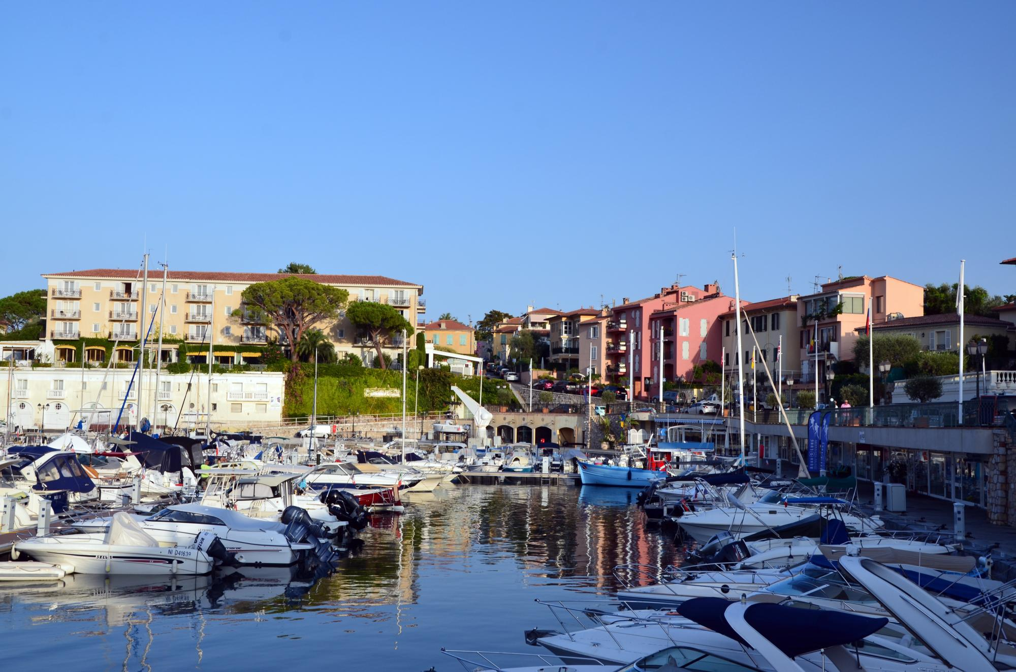Discover The French Riviera - Vacation package : France Coast to Coast  - Land of France, travel agency in France